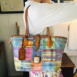 ♥️ Dooney & Bourke ♥️ Plaid Shoulder Bag